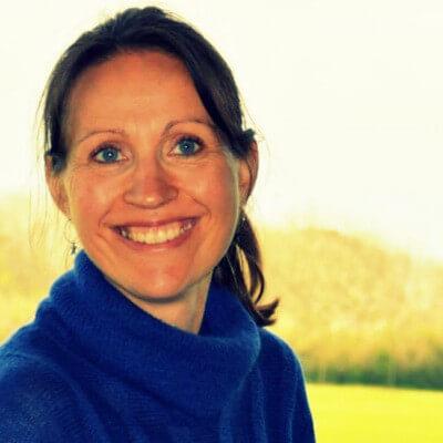 Annette Hansgaard · 51 23 05 02